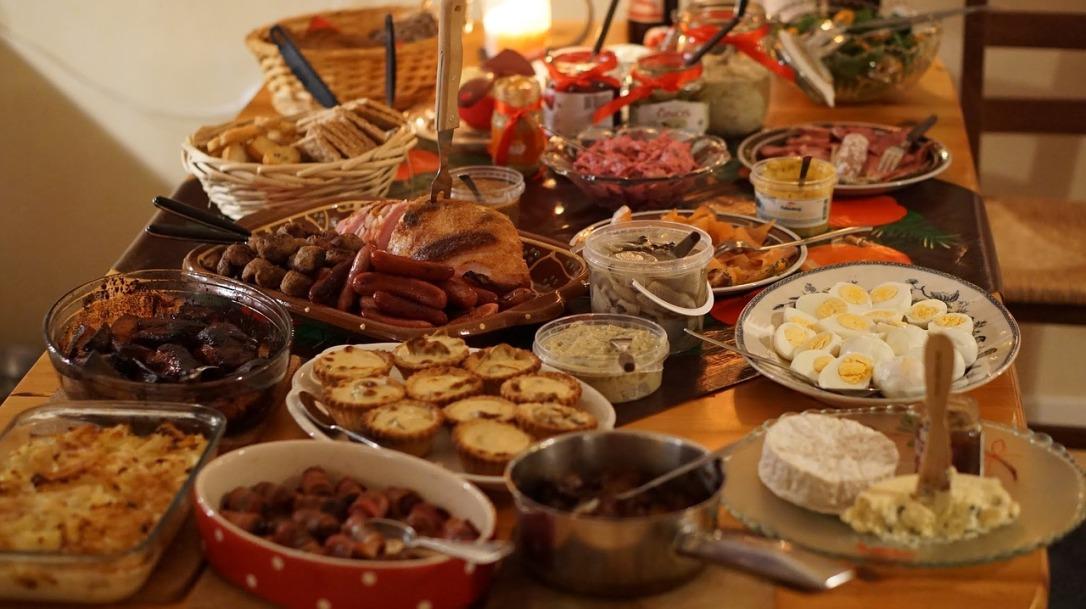 christmas-dinner-2428029_1280
